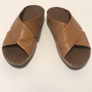 FitFlops Micro Wobbleboard Tan Sandal